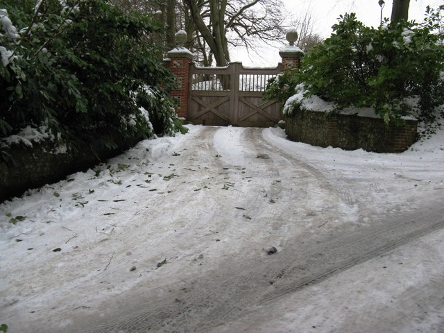 Gated entrance to Highfield House off Baycombe Lane