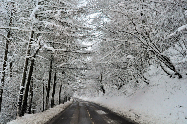 Snowy road between Aberbeeg and Cwm