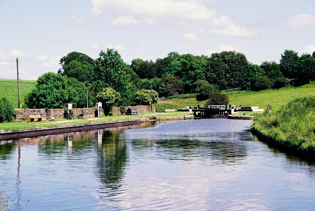 Greenberfield Top Lock, Leeds & Liverpool Canal