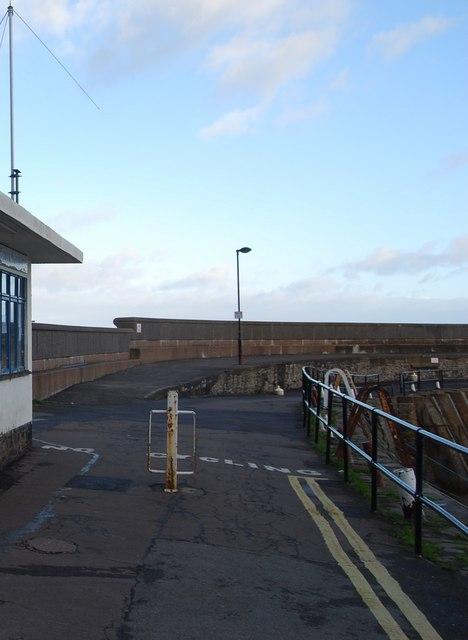 No cycling on the Quay