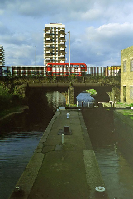Commercial Road lock, early 1988
