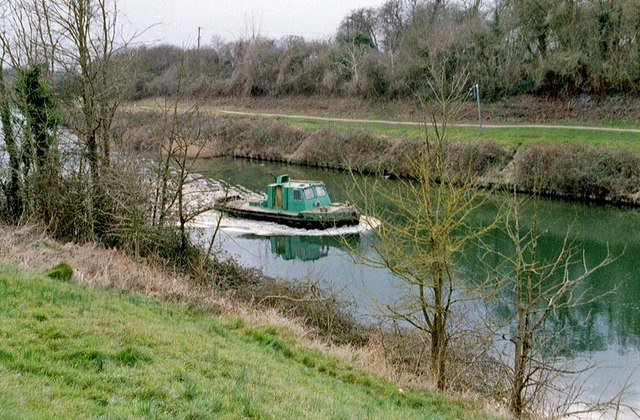 Boat on Gloucester & Sharpness Ship Canal