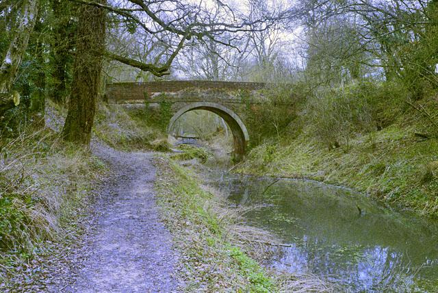 Eastrop Bridge, Basingstoke Canal, early 1997