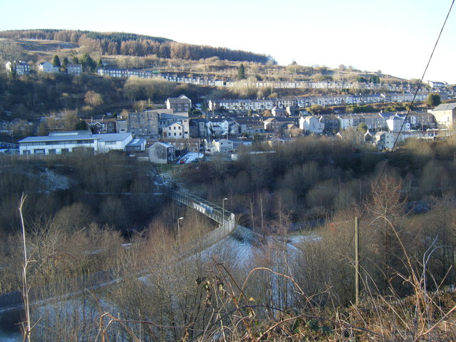Rhondda Fach valley and footbridge, with Tylorstown beyond.