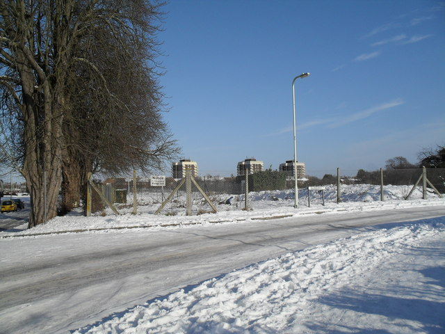 Looking over from Lavant Drive towards the towerblocks in Lockersley Road