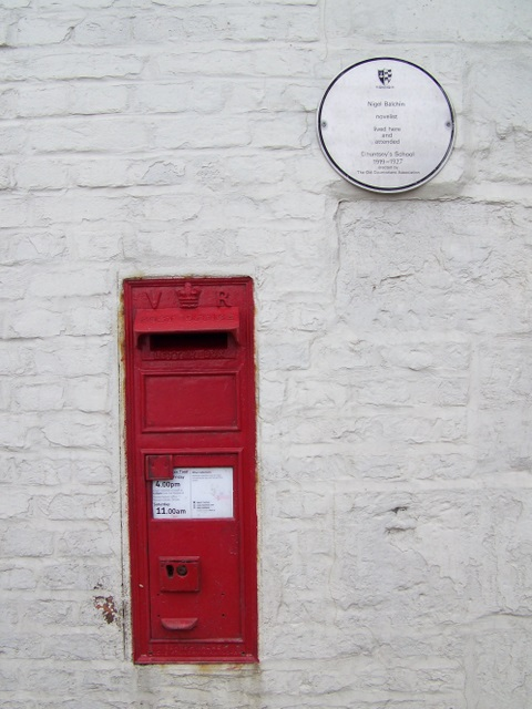 Postbox, West Lavington