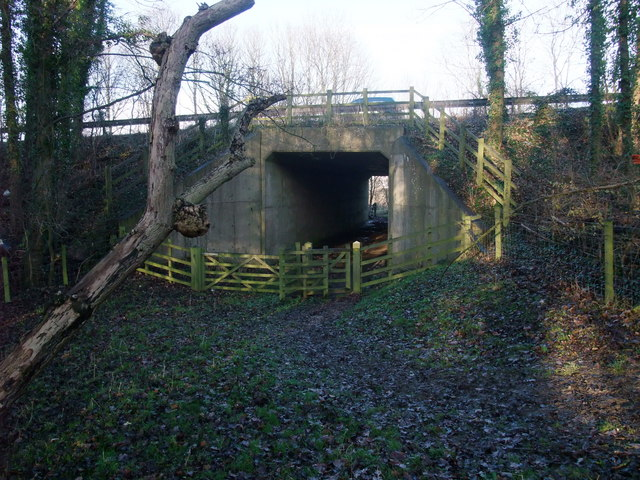 Footpath under the A1