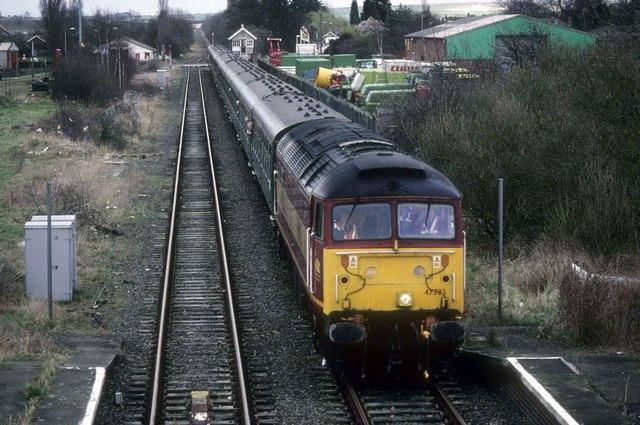 Charter train passes Brigg Station