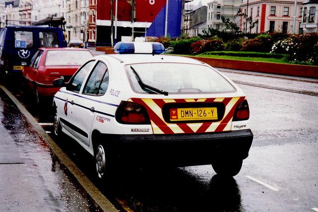 Douglas - Police car parked along Harris Promenade