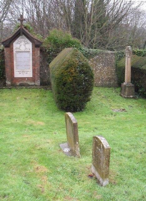 A bleak December afternoon in Arundel Cemetery (6)