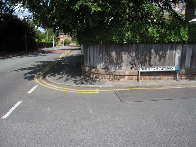 Junction of Northern Pathway  and Queen's Park Road
