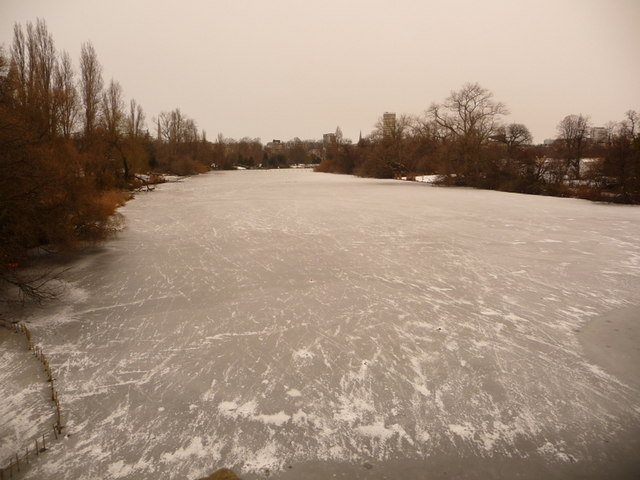 Hyde Park: looking up the icy Serpentine from the bridge
