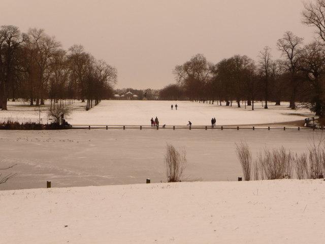 Hyde Park: view across the Serpentine towards Kensington Palace