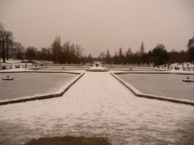 Kensington Gardens: The Fountains