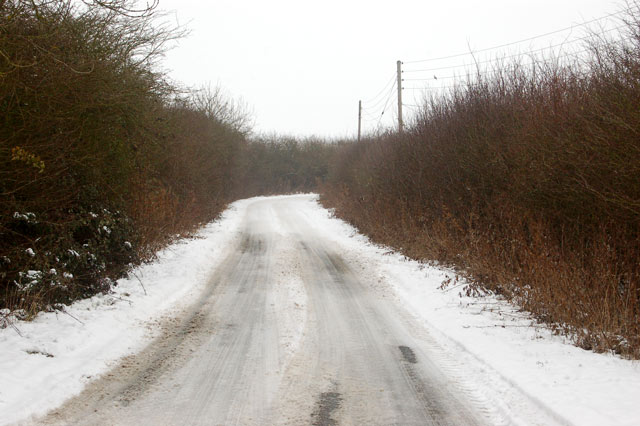 Snow-covered lane to Napton at Marston Doles