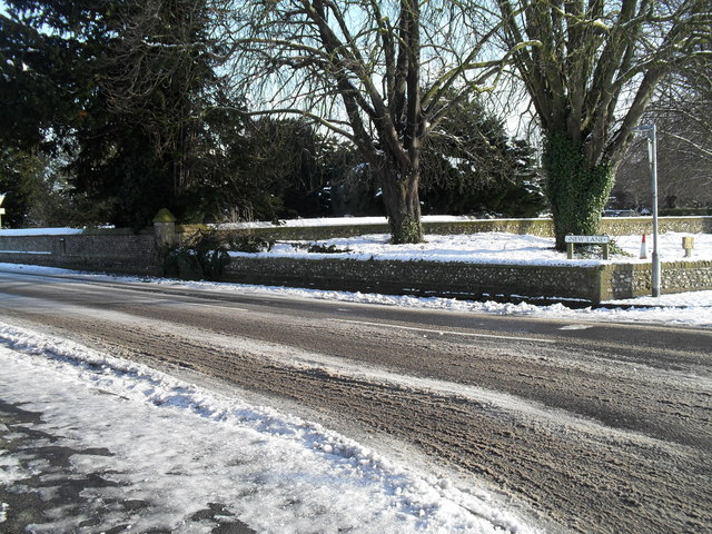 Snow tracks at the southern end of New Lane