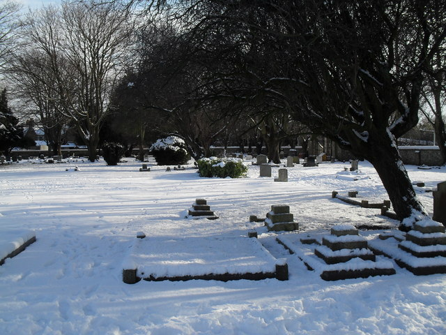 Snowy conditions in Havant Cemetery (11)
