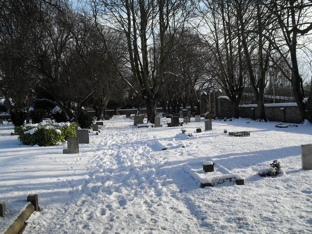 Snowy conditions in Havant Cemetery (12)