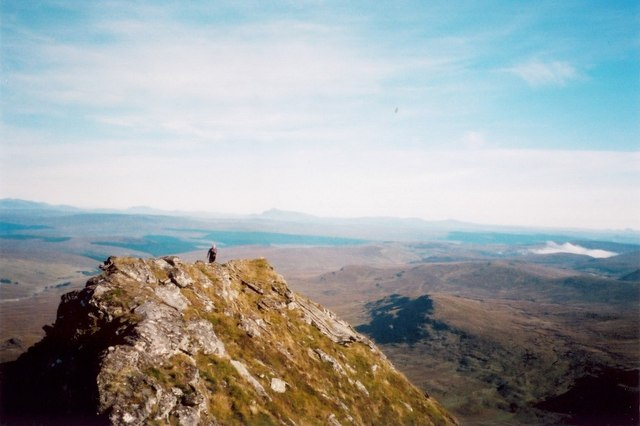 Cresting the summit of the northern top of An Sgurr
