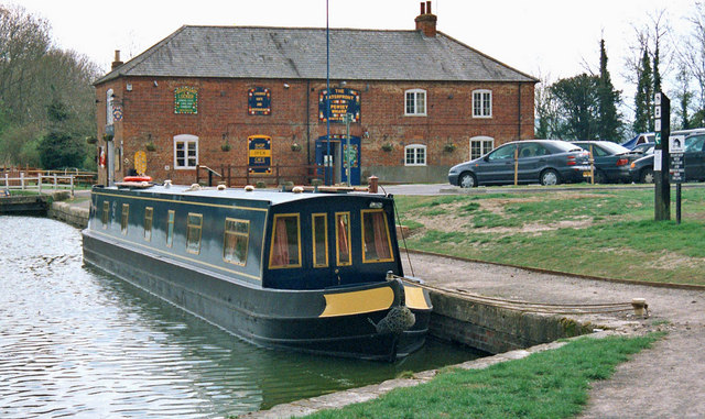 The Waterfront, Pewsey Wharf