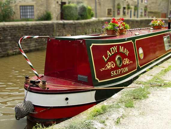 Narrow boat at Skipton