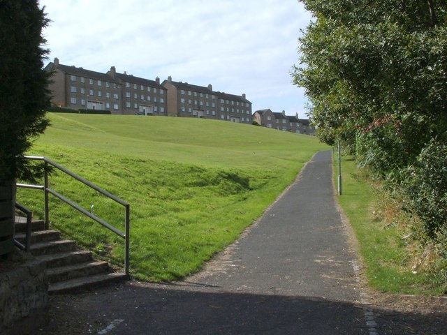 Cycle route near Todholm Road