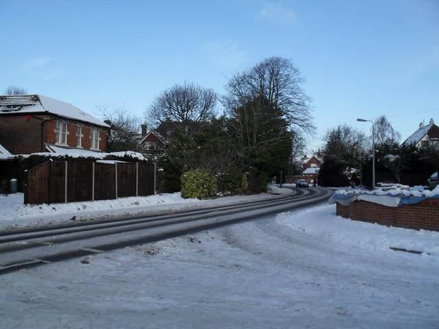 Looking from a snowy Glenleigh Park into Southleigh Road