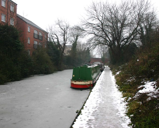 The Cape moorings, Grand Union Canal, Warwick