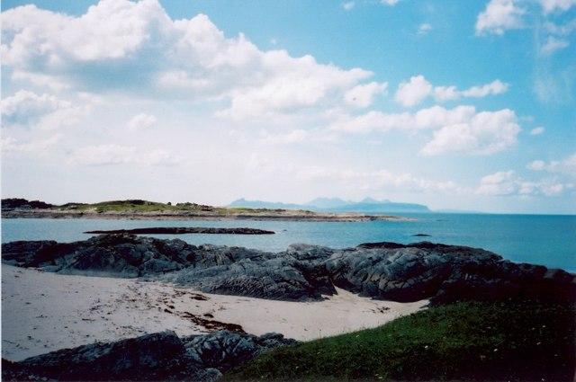 Smirisary beach - looking northwest towards Rum and Eigg