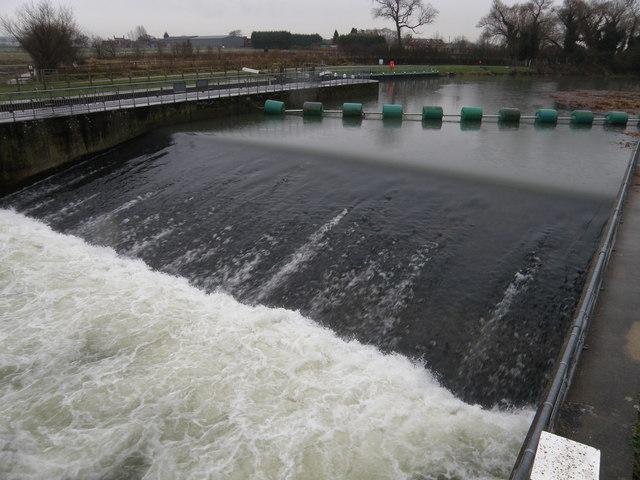 Weir at Willington