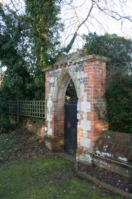 Arch in the wall