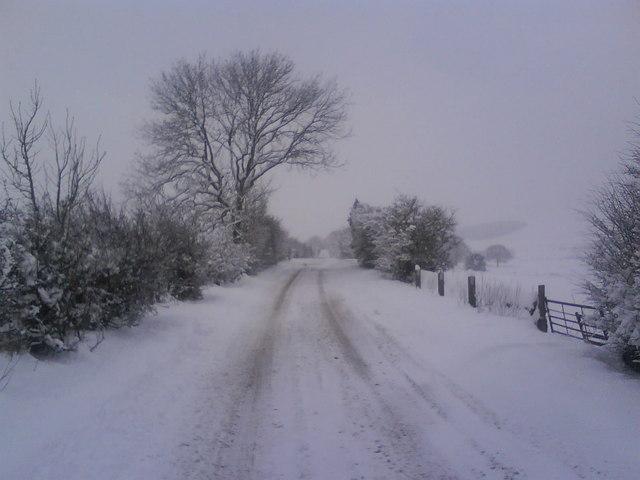 B6105, Woodhead Road