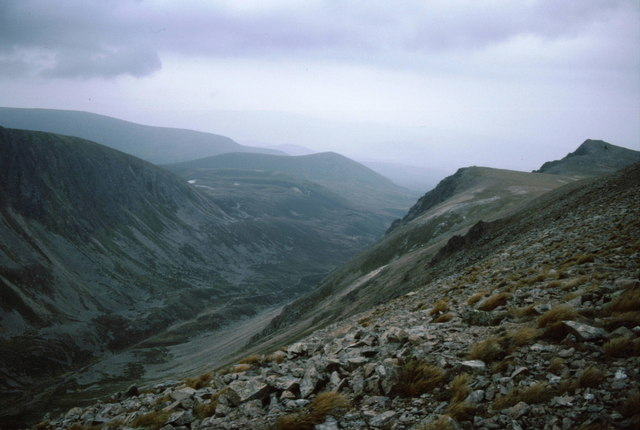 Screes on the lip of the Lairig Ghru