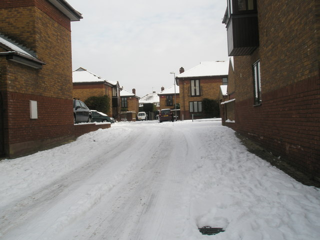 Looking from Lower Drayton Lane into Manor Mews