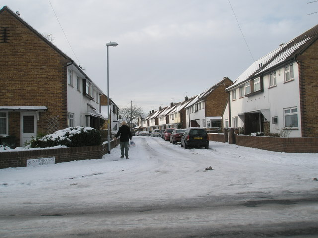 Looking from Lower Drayton Lane into Southbourne Avenue