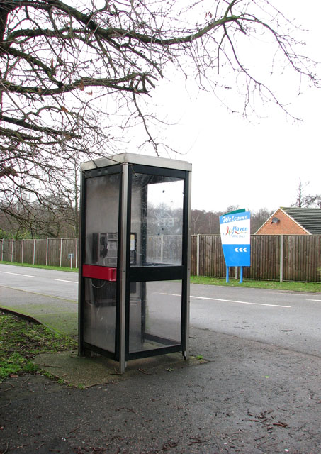 Telephone box in Station Road South