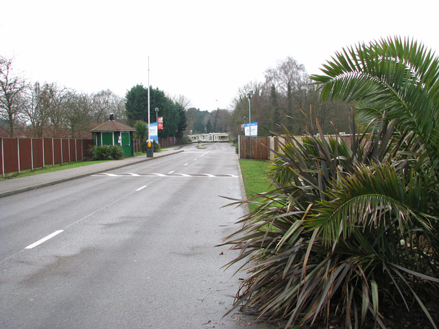 Driveway to Wild Duck (Haven) holiday park