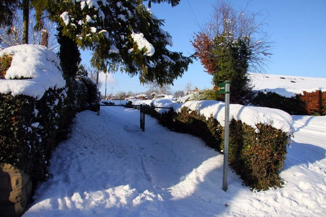 Footpath to Upton
