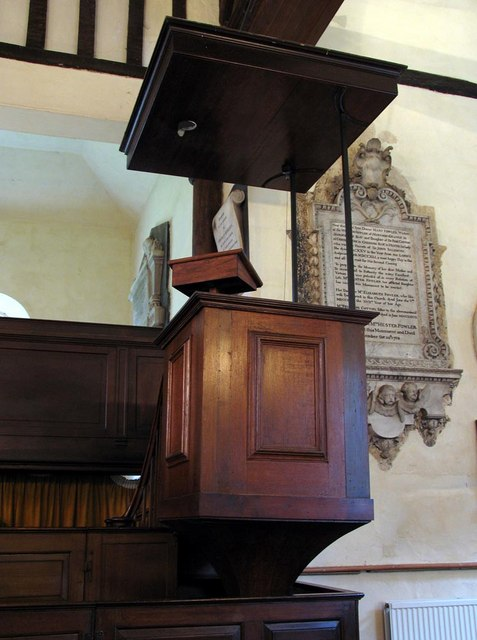 St George, Esher, Surrey - Pulpit