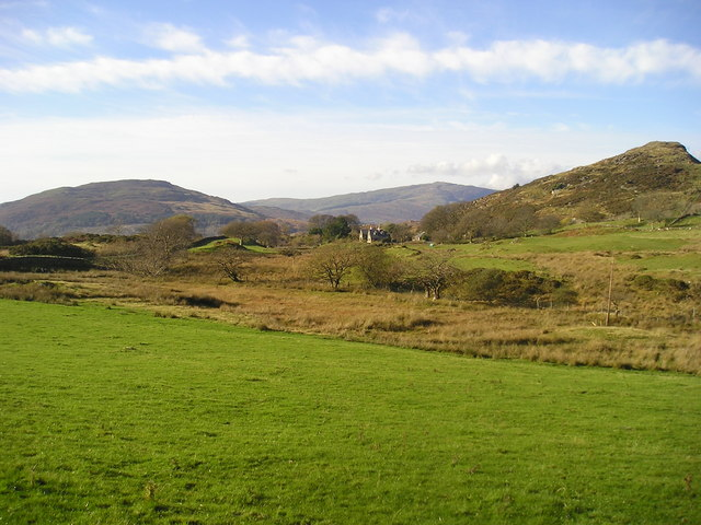 Snowdonia: Hillfort and isolated house