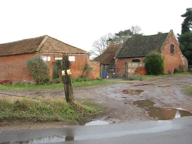 Entrance to Beech Farm