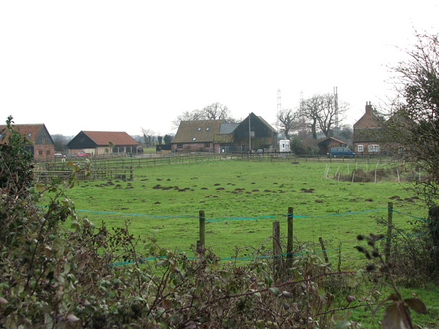 View to Hall Farm from Beccles Road