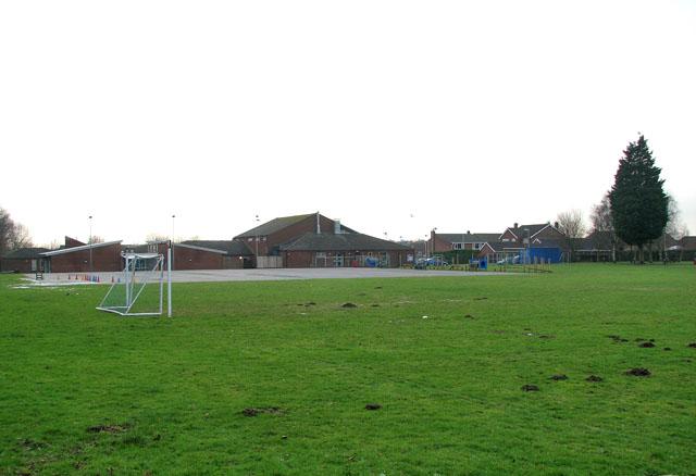 Breydon Middle School (left) and Waveney First School