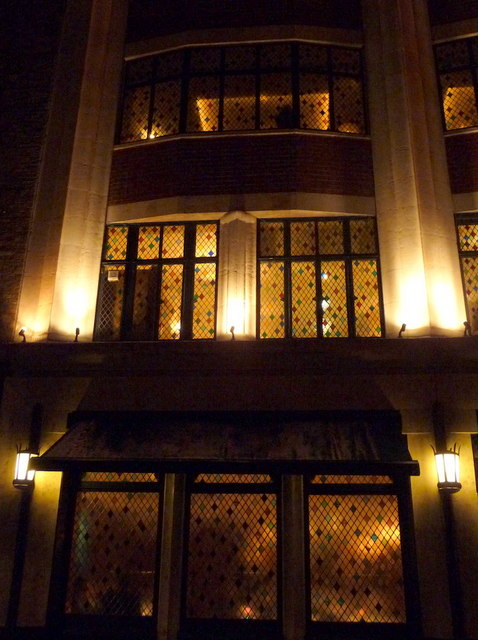London: leaded windows at The Ivy