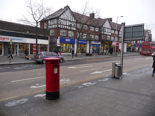 Wembley: postbox № HA9 54, High Road