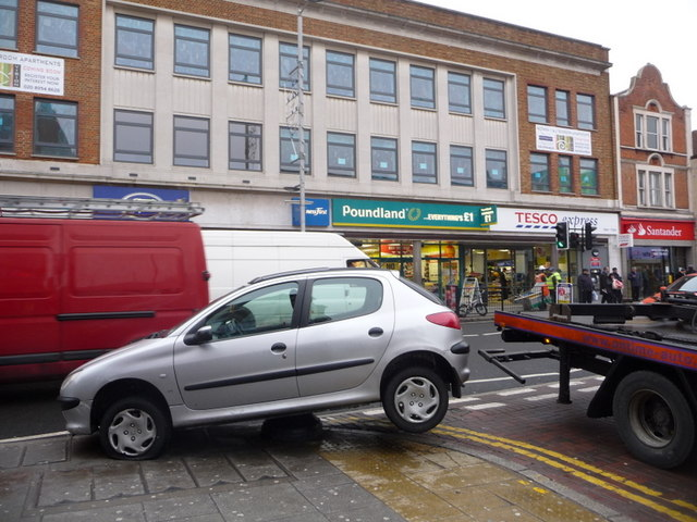 Wembley: peculiar parking in High Road