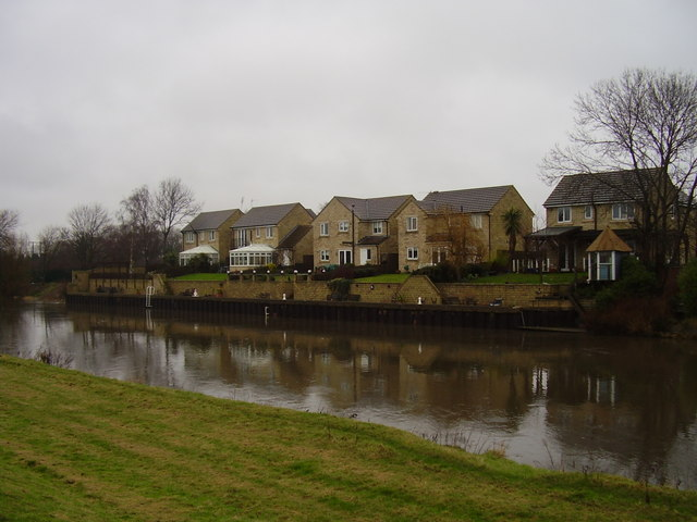 Houses over the Don