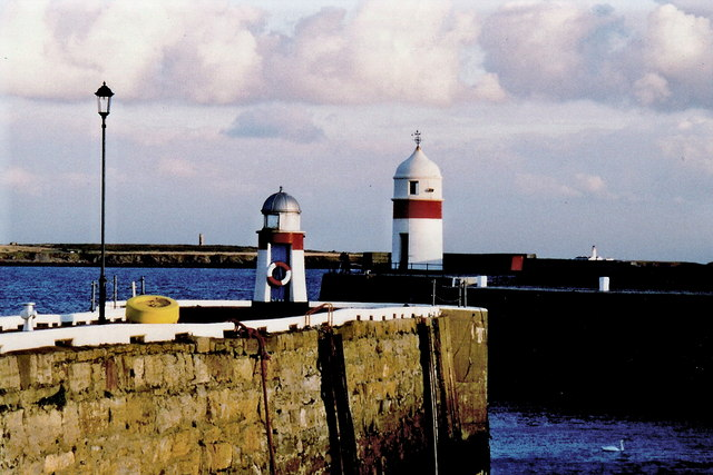 Castletown - Harbour entrance lights