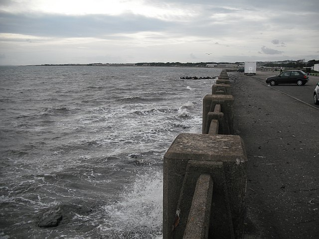 Sea wall, Arbroath