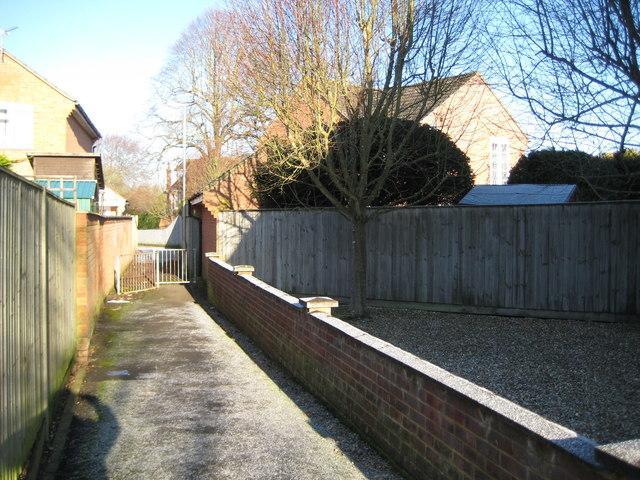 Newbury: Site of the former West Fields Halt railway station